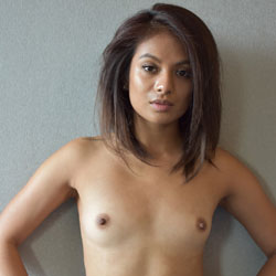 Flat chested no tits