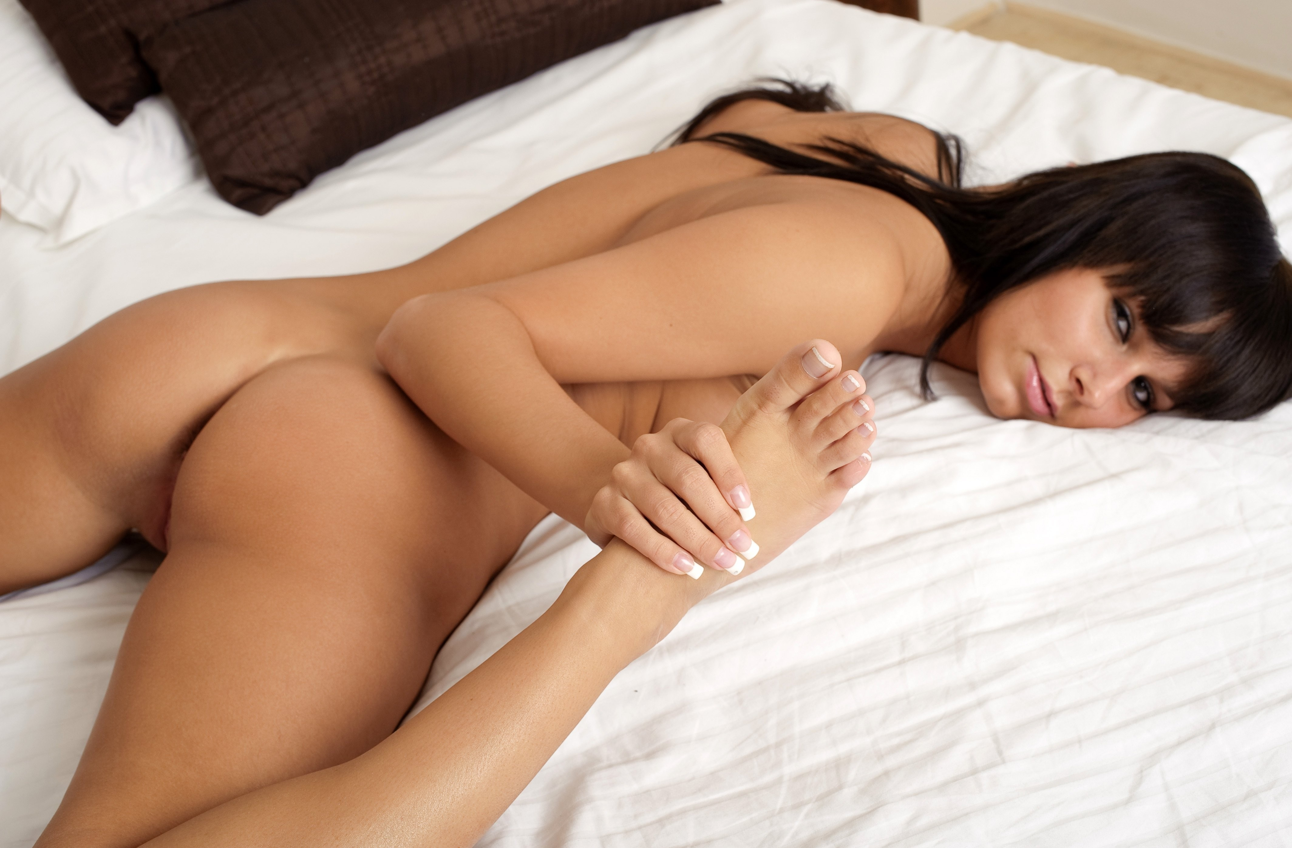 Nude ass on bed