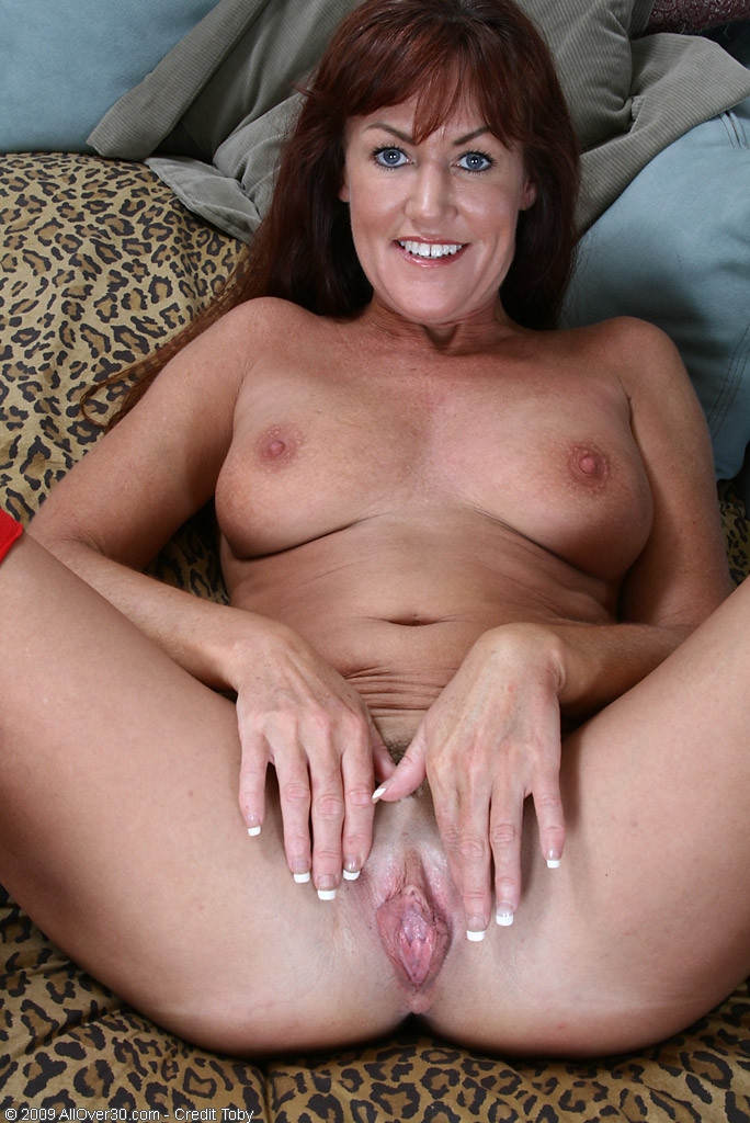 Spread amateur mom pussy tits